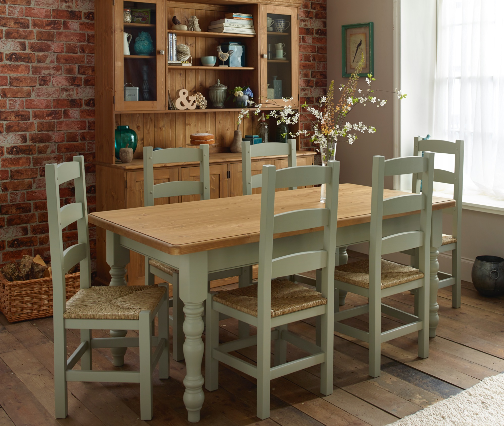 Village Green Dining Tables & Painted Table And Chairs | Sevenstonesinc.com